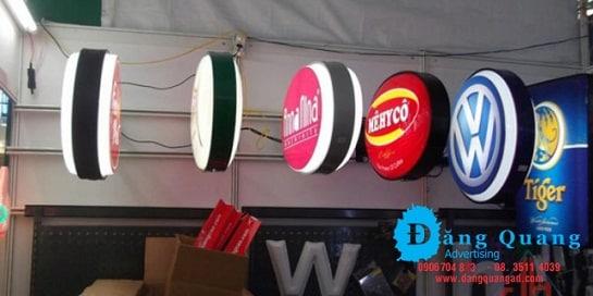 Thi công bảng hộp đèn hút Thi công bảng hộp đèn hút nổi quận 12 Tp HCMnổi quận 12 Tp HCM