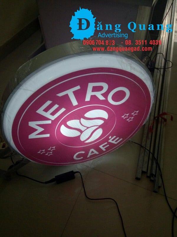 Gia công hộp đèn hút nổi hộp đèn mica Metro cafe Bình Thạnh