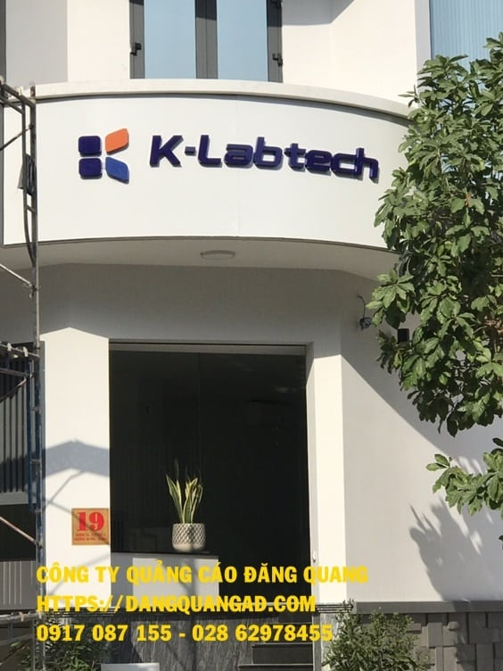 thi cong bang alu chu inox cty klabtech quan 2 (4)