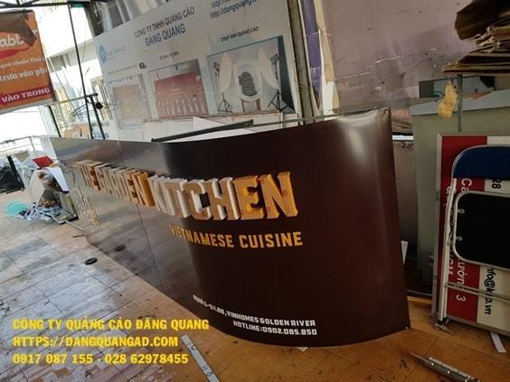 thi cong bang alu chu noi led kitchen quan binh thanh (1)