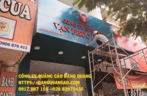 thi cong bang hieu alu chu noi mica cty van phuc (2)