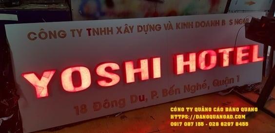 bang alu chu noi led yoshi hotel (1)