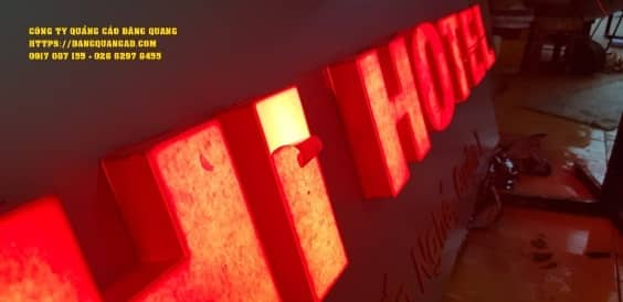 bang alu chu noi led yoshi hotel (4)