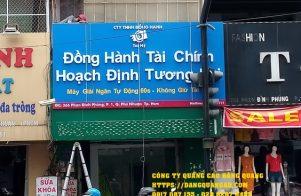 thi cong bang hieu alu chu noi mica tai hy (1)