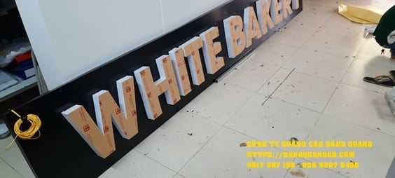 lam bang alu chu noi led white bakery (7)