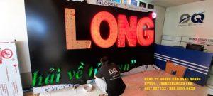bang alu chu noi mica led cong ty song long (1)